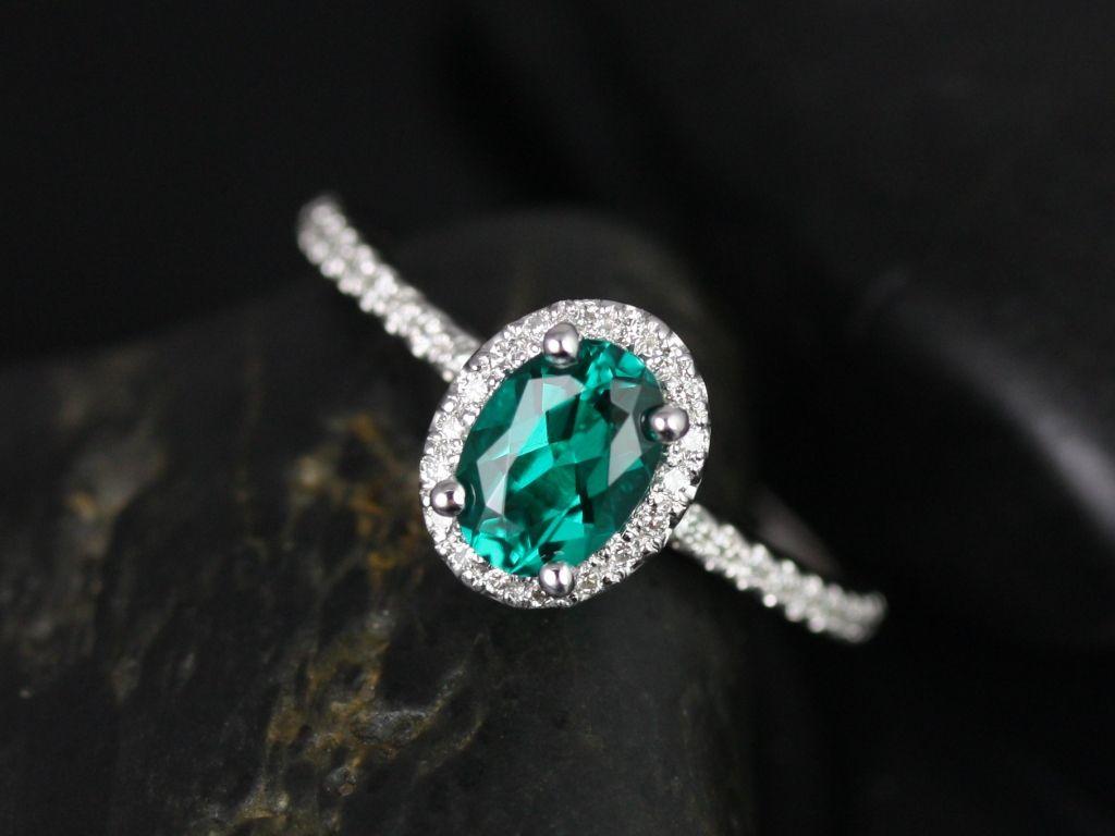 https://www.loveandpromisejewelers.com/media/catalog/product/cache/1b8ff75e92e9e3eb7d814fc024f6d8df/u/l/ultra_petite_federella_lab_grown_emerald_diamond_white_gold_engagement_ring_2_.jpg