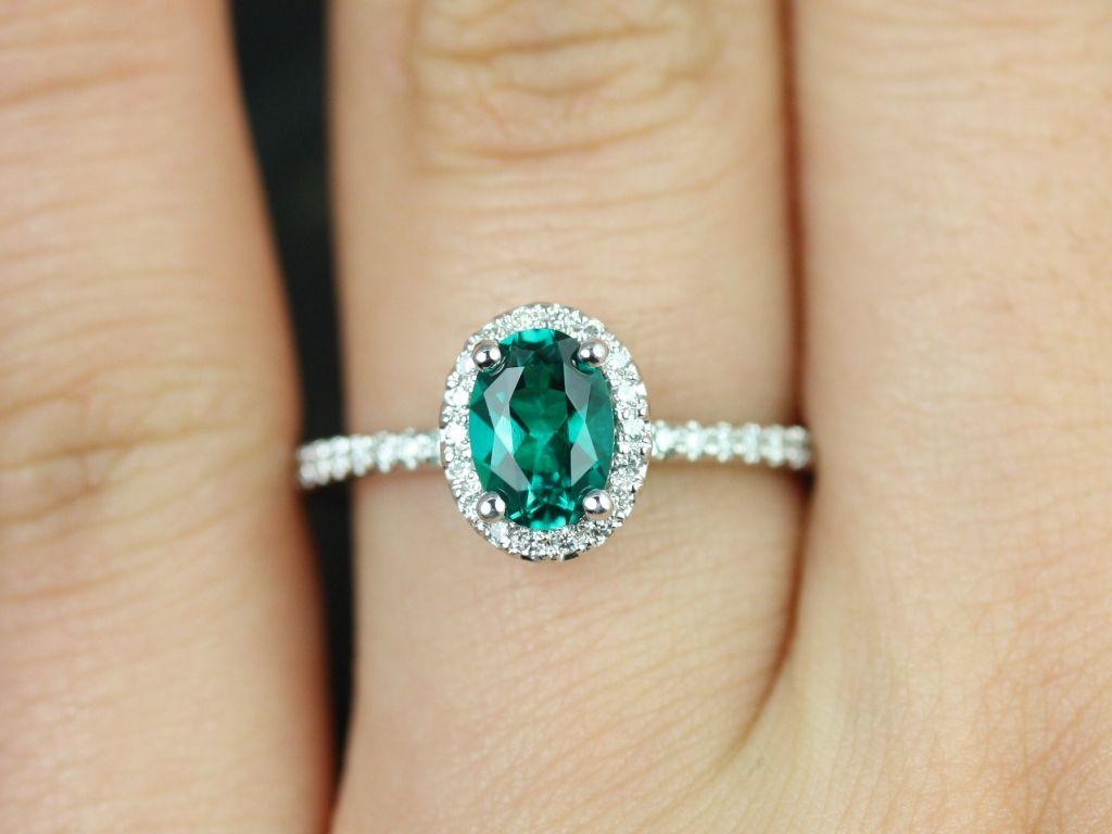 https://www.loveandpromisejewelers.com/media/catalog/product/cache/1b8ff75e92e9e3eb7d814fc024f6d8df/u/l/ultra_petite_federella_lab_grown_emerald_diamond_white_gold_engagement_ring_3_.jpg