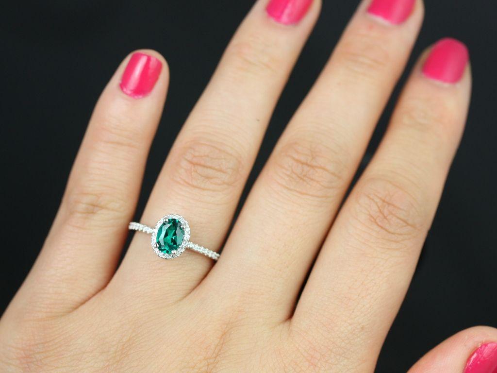 https://www.loveandpromisejewelers.com/media/catalog/product/cache/1b8ff75e92e9e3eb7d814fc024f6d8df/u/l/ultra_petite_federella_lab_grown_emerald_diamond_white_gold_engagement_ring_4_.jpg