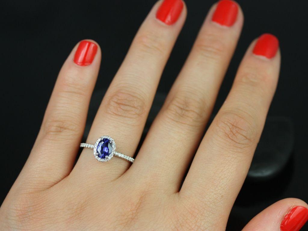 https://www.loveandpromisejewelers.com/media/catalog/product/cache/1b8ff75e92e9e3eb7d814fc024f6d8df/u/l/ultra_petite_federella_lab_sapphire_engagement_ring_6_.jpg