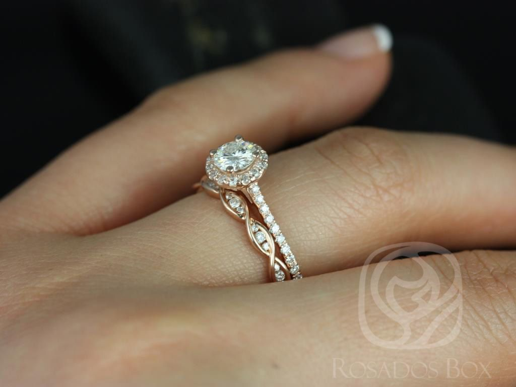 https://www.loveandpromisejewelers.com/media/catalog/product/cache/1b8ff75e92e9e3eb7d814fc024f6d8df/u/l/ultra_petite_kubian_ember_14kt_rose_gold_fb_moissanite_and_diamonds_halo_wedding_set_2wm_.jpg