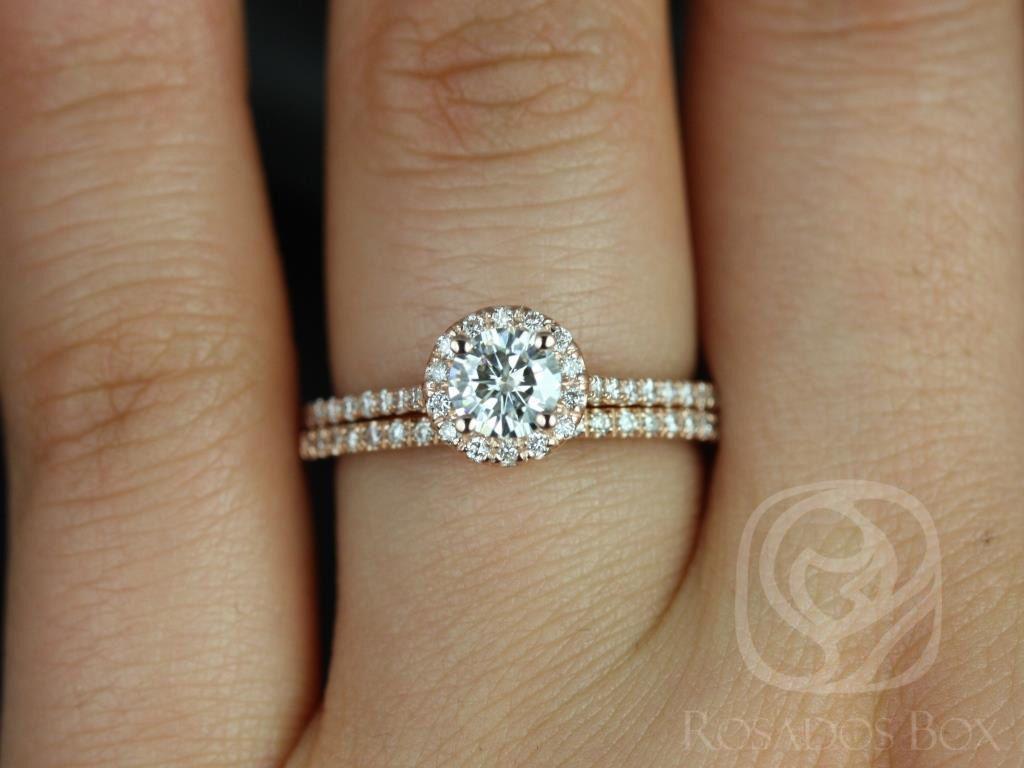 https://www.loveandpromisejewelers.com/media/catalog/product/cache/1b8ff75e92e9e3eb7d814fc024f6d8df/u/l/ultra_petite_size_kubian_14kt_rose_gold_round_fb_moissanite_and_diamonds_halo_wedding_set_2wm_.jpg