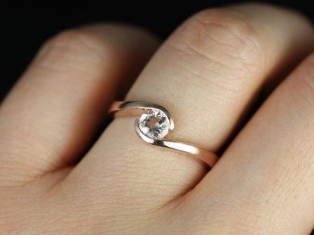 https://www.loveandpromisejewelers.com/media/catalog/product/cache/1b8ff75e92e9e3eb7d814fc024f6d8df/v/a/vadim_morganite_14kt_rose_gold_1_.jpg