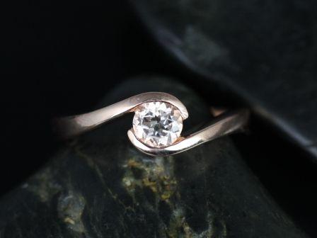 https://www.loveandpromisejewelers.com/media/catalog/product/cache/1b8ff75e92e9e3eb7d814fc024f6d8df/v/a/vadim_morganite_14kt_rose_gold_2_.jpg