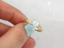 Rosados Box Cassidy 6mm 14kt Solid Gold Round Rainbow Moonstone Celtic Love Knot Triquetra Engagement Ring
