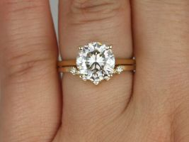 Rosados Box 2.70cts Esther 9mm & Remy 14kt Gold Forever One Moissanite Diamond Cluster 4 Prong Round Solitaire Wedding Set Rings