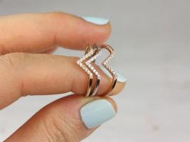 Rosados Box Skinny Venus 14kt Solid Gold V Ring Chevron Diamond Ring (S.L.A.Y. Collection)