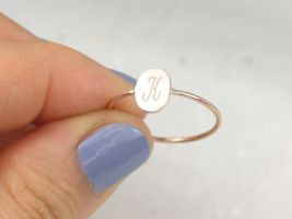Rosados Box Petite Stevie 8x6mm 14kt Solid Gold Dainty Personalized Oval Letter Ring