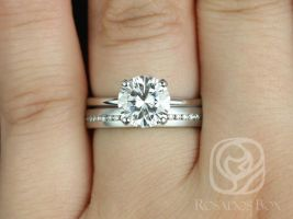 Rosados Box Sandra 8mm & Oona 14kt White Gold Round F1- Moissanite and Diamond Non-Cathedral Wedding Set