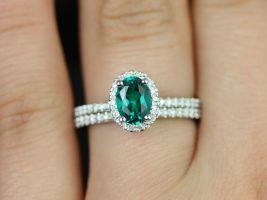 Rosados Box Federella 7x5mm 14kt White Gold Oval Emerald and Diamonds Halo Wedding Set