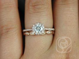 Rosados Box Kubian 5mm & Ember 14kt Rose Gold F1- Moissanite and Diamonds Halo Wedding Set