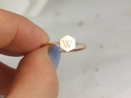 Rosados Box Petite Hunter 7mm 14kt Solid Gold Dainty Personalized Hexagon Letter Ring