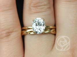 Rosados Box Harper 9x7mm & PLAIN Dusty 14kt Yellow Gold Oval F1- Moissanite and Diamonds Thin Skinny Wedding Set