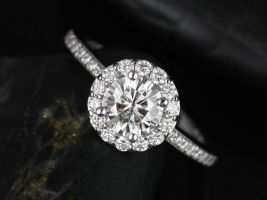 Rosados Box Marisol 6mm 14kt White Gold Round Halo F1- Moissanite Engagement Ring