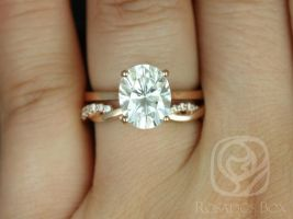 Rosados Box Skinny Lois 10x8mm & Dusty 14kt Rose Gold Oval F1- Moissanite and Diamonds Wedding Set