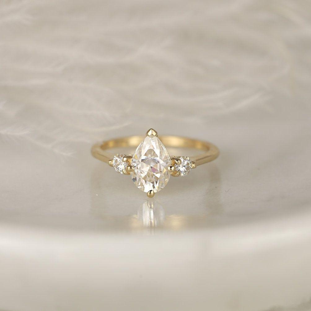https://www.loveandpromisejewelers.com/media/catalog/product/cache/feefdef027ccf0d59dd1fef51db0610e/5/0/501c5ff8df8e7f30a05dfafcefa81e5f.jpg