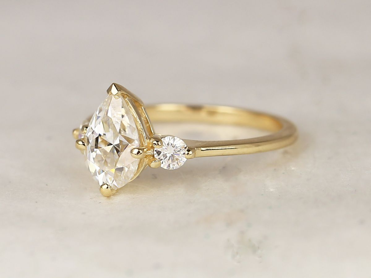 https://www.loveandpromisejewelers.com/media/catalog/product/cache/feefdef027ccf0d59dd1fef51db0610e/6/3/6370f71262cf891ff580c6dbdc01f6f9.jpg