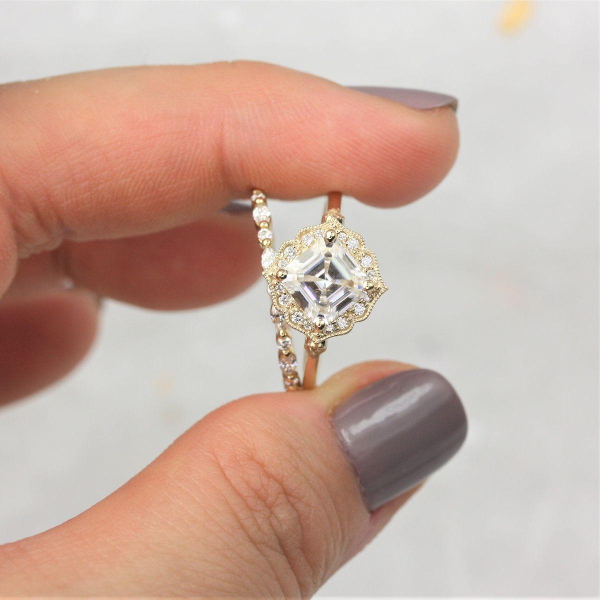 https://www.loveandpromisejewelers.com/media/catalog/product/cache/feefdef027ccf0d59dd1fef51db0610e/8/c/8ca3dca002413f939de3c9549aabd4e5.jpg