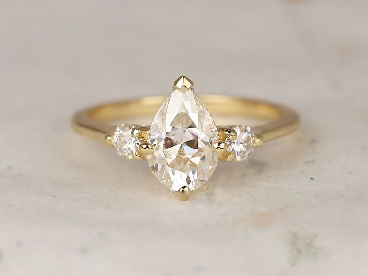 https://www.loveandpromisejewelers.com/media/catalog/product/cache/feefdef027ccf0d59dd1fef51db0610e/8/d/8d0679ec4a759eb1974d9b144214c8f2.jpg