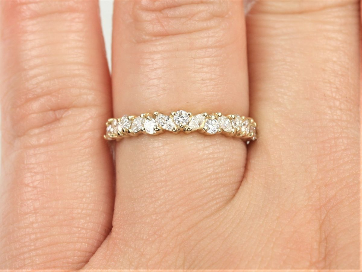 https://www.loveandpromisejewelers.com/media/catalog/product/cache/feefdef027ccf0d59dd1fef51db0610e/9/e/9e95b4dc45641751db0a5c9af978e699.jpg