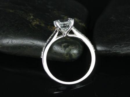 https://www.loveandpromisejewelers.com/media/catalog/product/cache/feefdef027ccf0d59dd1fef51db0610e/b/_/b._taylor_medio_size_white_topaz_14kt_white_gold_11_.jpg