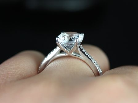 https://www.loveandpromisejewelers.com/media/catalog/product/cache/feefdef027ccf0d59dd1fef51db0610e/b/_/b._taylor_medio_size_white_topaz_14kt_white_gold_14_.jpg
