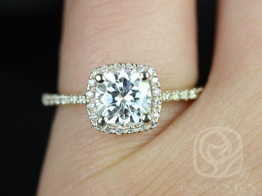 https://www.loveandpromisejewelers.com/media/catalog/product/cache/feefdef027ccf0d59dd1fef51db0610e/b/a/barra_6mm_14kt_yellow_gold_cushion_fb_moissanite_and_diamond_halo_engagement_ring_other_metals_and_stone_options_available_3wm.jpg