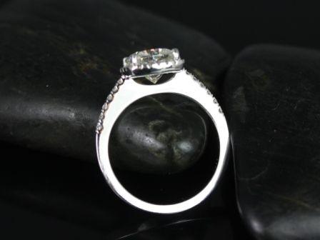 https://www.loveandpromisejewelers.com/media/catalog/product/cache/feefdef027ccf0d59dd1fef51db0610e/b/a/barra_sweetheart_size_fb_moisssanite_14kt_white_gold_3_.jpg
