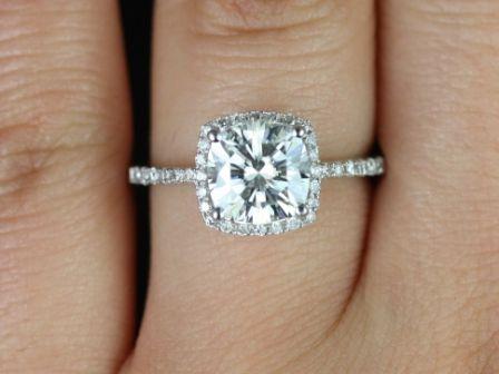 https://www.loveandpromisejewelers.com/media/catalog/product/cache/feefdef027ccf0d59dd1fef51db0610e/b/a/barra_sweetheart_web2.jpg