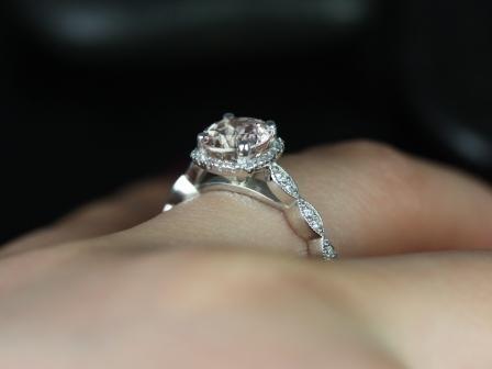 https://www.loveandpromisejewelers.com/media/catalog/product/cache/feefdef027ccf0d59dd1fef51db0610e/c/h/christie_sweetheart_size_morganite_white_gold_engagement_ring_1_.jpg