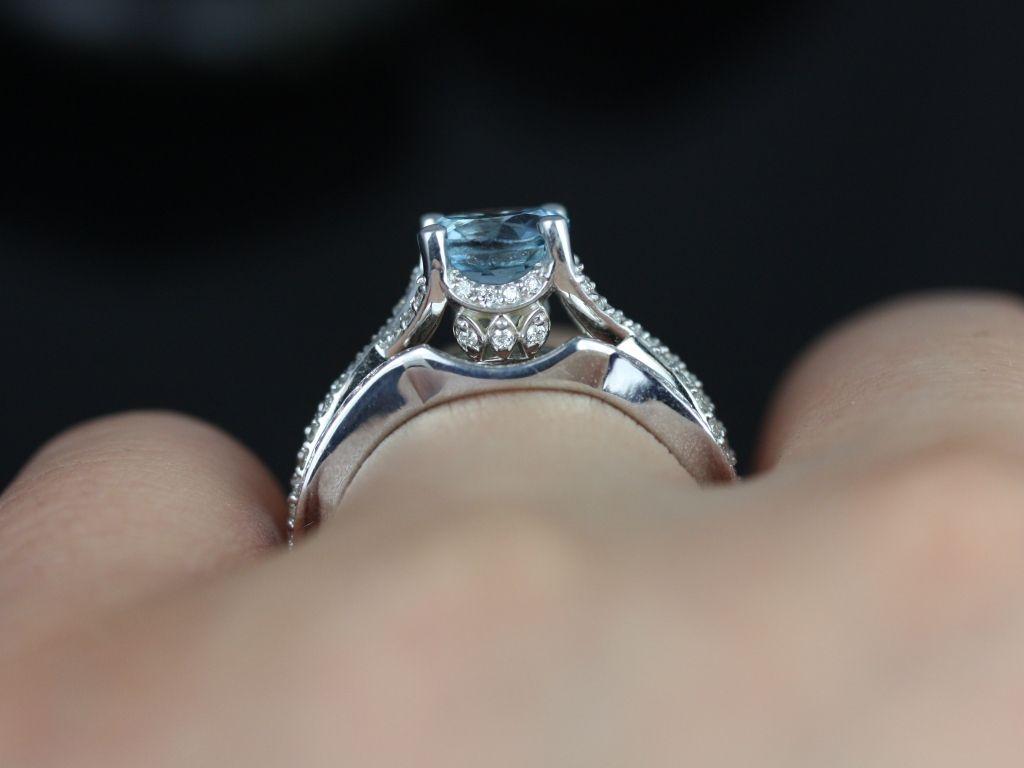 https://www.loveandpromisejewelers.com/media/catalog/product/cache/feefdef027ccf0d59dd1fef51db0610e/e/m/emma_aquamarine_diamond_white_gold_wedding_set_5_.jpg