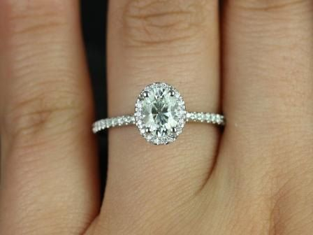 https://www.loveandpromisejewelers.com/media/catalog/product/cache/feefdef027ccf0d59dd1fef51db0610e/f/e/federella_7x5mm_wg_moissanite_3.jpg