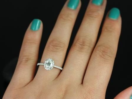 https://www.loveandpromisejewelers.com/media/catalog/product/cache/feefdef027ccf0d59dd1fef51db0610e/f/e/federella_7x5mm_wg_moissanite_4.jpg