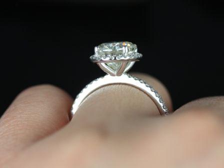https://www.loveandpromisejewelers.com/media/catalog/product/cache/feefdef027ccf0d59dd1fef51db0610e/f/e/federella_fb_moissanite_14kt_white_gold_1_.jpg