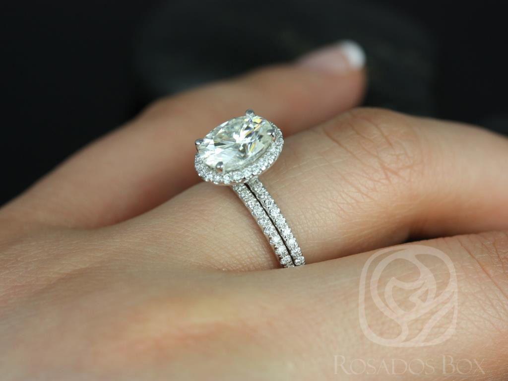 https://www.loveandpromisejewelers.com/media/catalog/product/cache/feefdef027ccf0d59dd1fef51db0610e/f/e/federella_medio_size_14kt_white_gold_oval_fb_moissanite_and_diamond_halo_classic_wedding_set_3wm_.jpg