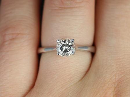 https://www.loveandpromisejewelers.com/media/catalog/product/cache/feefdef027ccf0d59dd1fef51db0610e/f/l/flora_morganite_14kt_white_gold_5_.jpg