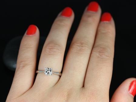 https://www.loveandpromisejewelers.com/media/catalog/product/cache/feefdef027ccf0d59dd1fef51db0610e/f/l/flora_morganite_14kt_white_gold_6_.jpg