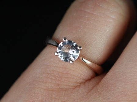 https://www.loveandpromisejewelers.com/media/catalog/product/cache/feefdef027ccf0d59dd1fef51db0610e/h/e/heather_morganite_14kt_rose_gold_5_.jpg