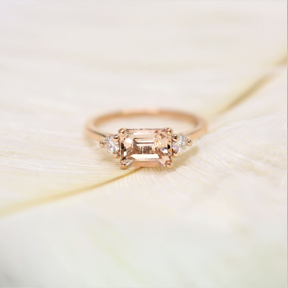 https://www.loveandpromisejewelers.com/media/catalog/product/cache/feefdef027ccf0d59dd1fef51db0610e/h/t/httpsi.etsystatic.com6659792ril2e16ba1910861358ilfullxfull.19108613586t0u.jpg