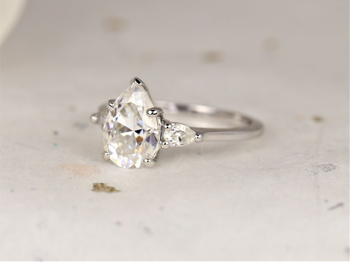 https://www.loveandpromisejewelers.com/media/catalog/product/cache/feefdef027ccf0d59dd1fef51db0610e/h/t/httpsi.etsystatic.com6659792ril90f3012103662063ilfullxfull.2103662063olmo.jpg