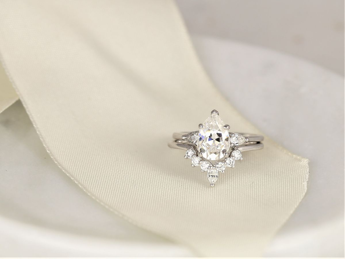 https://www.loveandpromisejewelers.com/media/catalog/product/cache/feefdef027ccf0d59dd1fef51db0610e/h/t/httpsi.etsystatic.com6659792rilb136482056224806ilfullxfull.20562248064vl4.jpg