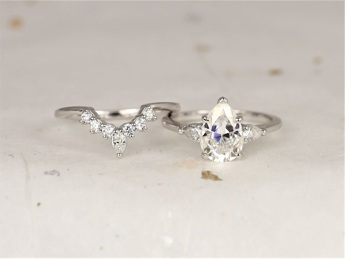 https://www.loveandpromisejewelers.com/media/catalog/product/cache/feefdef027ccf0d59dd1fef51db0610e/h/t/httpsi.etsystatic.com6659792rilc20bd72103810593ilfullxfull.2103810593h7kd.jpg