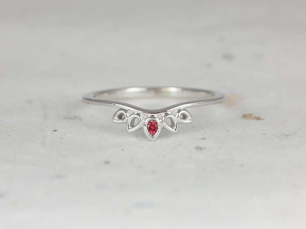 https://www.loveandpromisejewelers.com/media/catalog/product/cache/feefdef027ccf0d59dd1fef51db0610e/h/t/httpsi.etsystatic.com6659792rilfd55a61699430978ilfullxfull.1699430978eprx.jpg