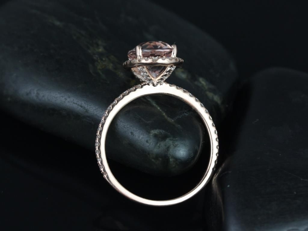 https://www.loveandpromisejewelers.com/media/catalog/product/cache/feefdef027ccf0d59dd1fef51db0610e/j/e/jessica_original_size_14kt_rose_gold_oval_morganite_and_diamonds_halo_engagement_ring_3__1.jpg