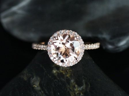 https://www.loveandpromisejewelers.com/media/catalog/product/cache/feefdef027ccf0d59dd1fef51db0610e/k/u/kubian_8mm_size_14kt_rose_gold_round_morganite_and_diamonds_halo_engagement_ring_4_1.jpg