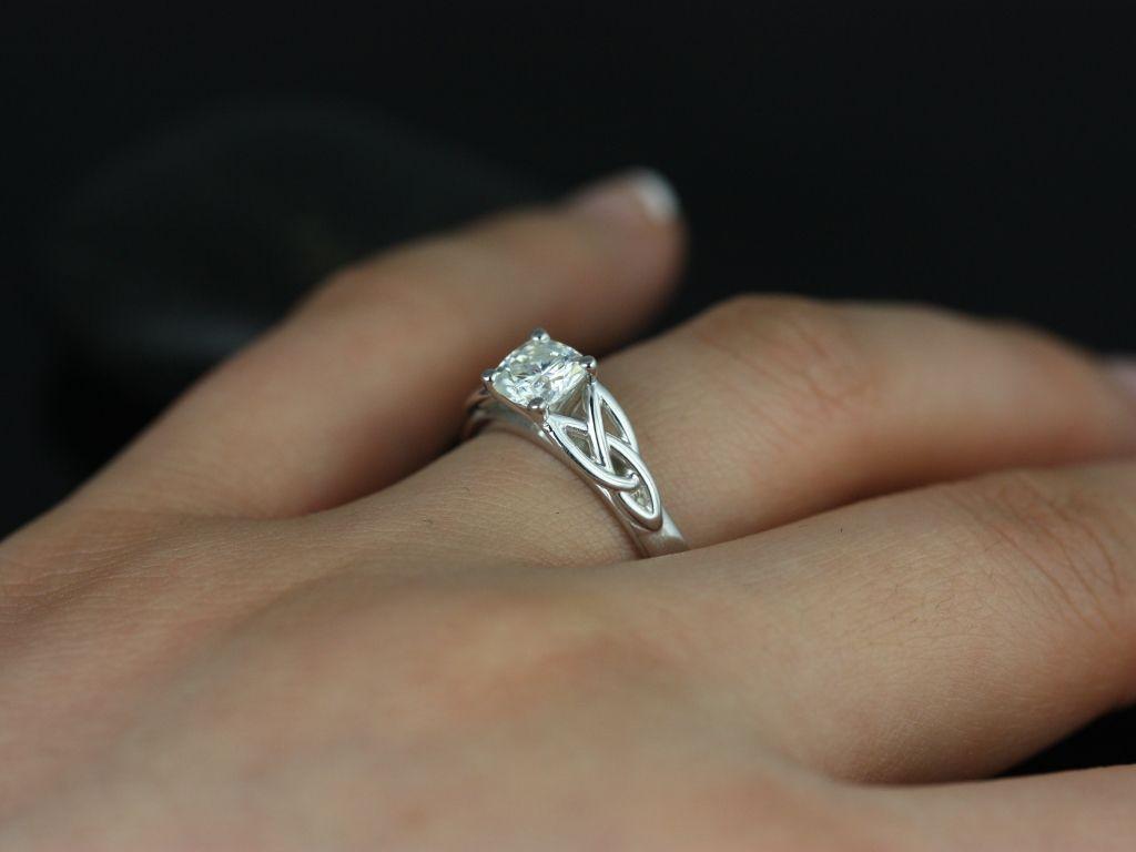 https://www.loveandpromisejewelers.com/media/catalog/product/cache/feefdef027ccf0d59dd1fef51db0610e/m/c/mccara_medio_size_fb_cushion_moissanite_white_gold_engagement_ring_1_.jpg