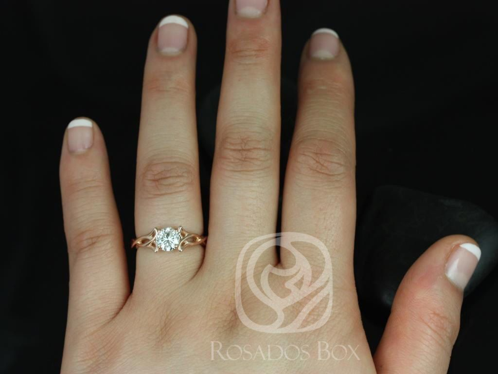 https://www.loveandpromisejewelers.com/media/catalog/product/cache/feefdef027ccf0d59dd1fef51db0610e/o/r/orla_6mm_14kt_rose_gold_round_fb_moissanite_celtic_knot_triquetra_engagement_ring4.jpg