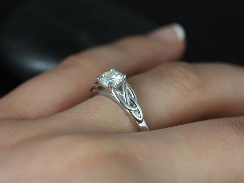 https://www.loveandpromisejewelers.com/media/catalog/product/cache/feefdef027ccf0d59dd1fef51db0610e/p/e/petite_mccara_fb_moissanite_white_gold_engagement_ring_1_.jpg