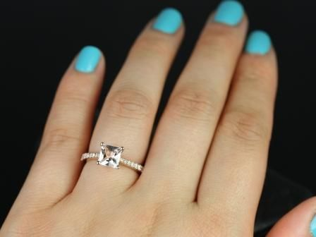 https://www.loveandpromisejewelers.com/media/catalog/product/cache/feefdef027ccf0d59dd1fef51db0610e/p/e/petite_size_taylor_princess_cut_morganite_engagement_ring_5_.jpg