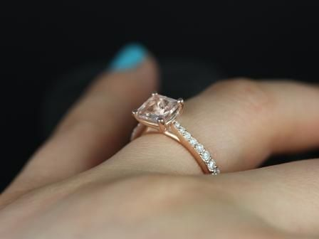 https://www.loveandpromisejewelers.com/media/catalog/product/cache/feefdef027ccf0d59dd1fef51db0610e/p/e/petite_size_taylor_princess_cut_morganite_engagement_ring_6_.jpg